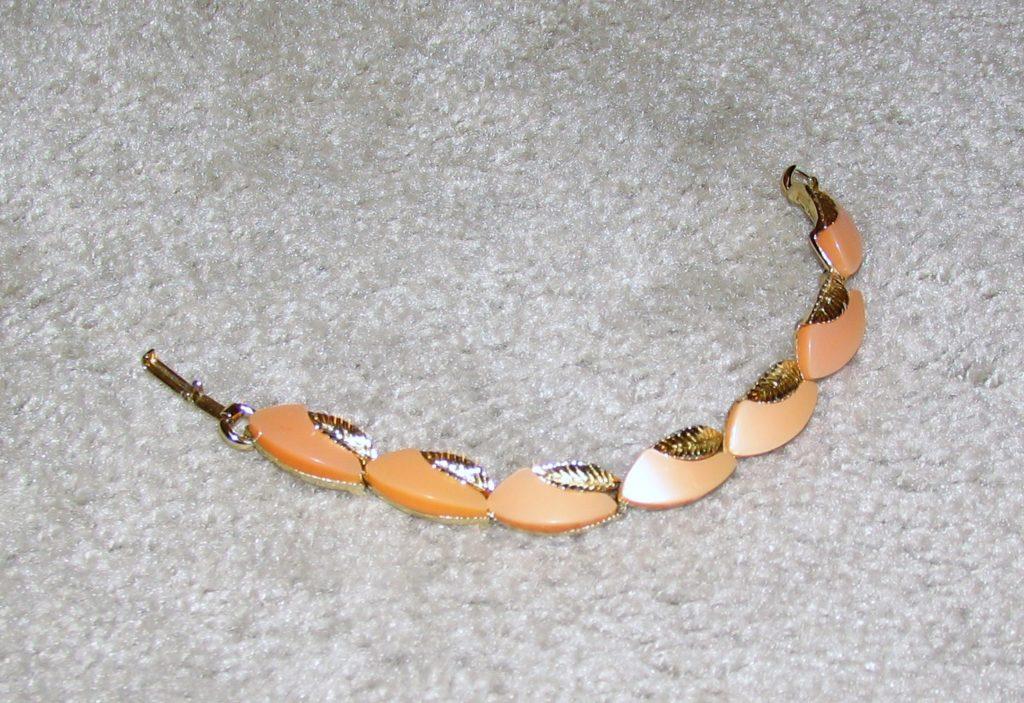 Peach & Gold tone Bracelet