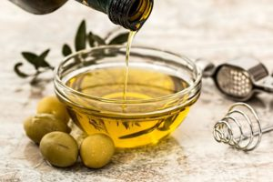 Did you know that extra virgin olive oil is another of the healthy oils for cooking?